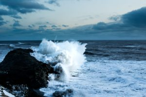 waves-crash-on-iceland-rocky-shore_4460x4460